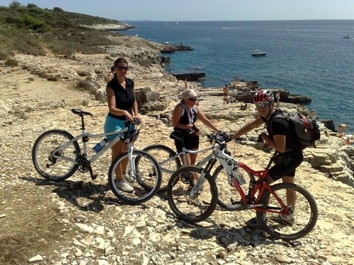 Islands in Kvarner are the perfect place for a bike tour