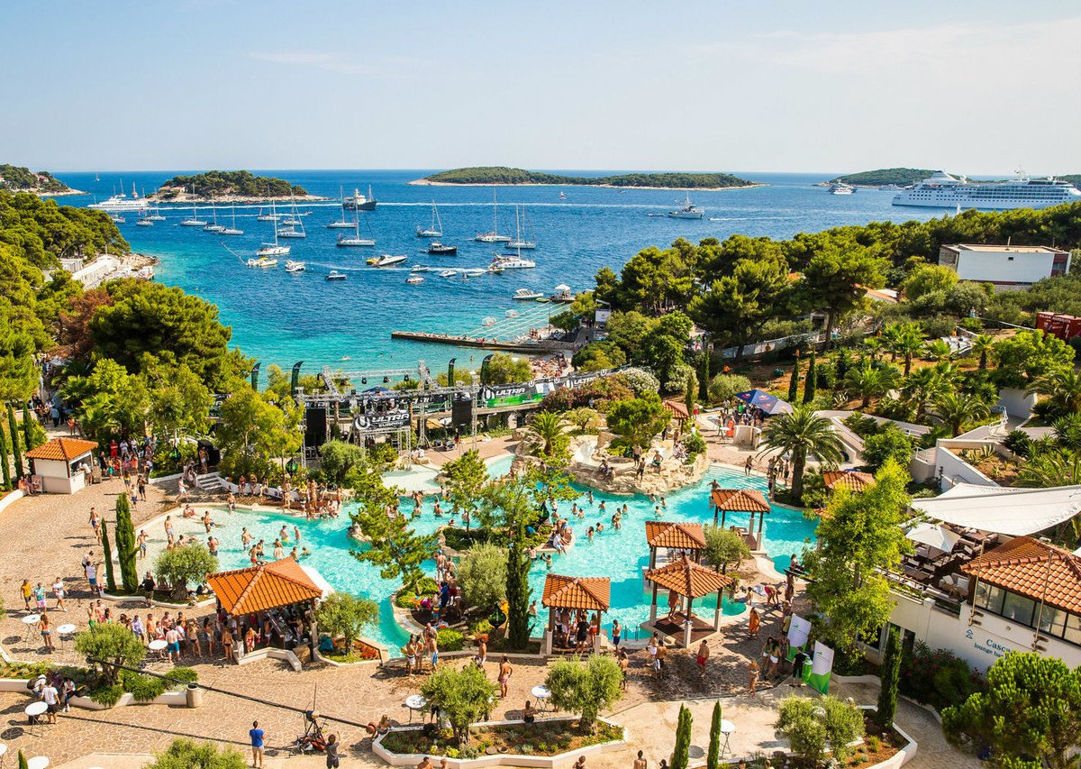 If you are searching for buzzing nightlife - Hvar is the place for you