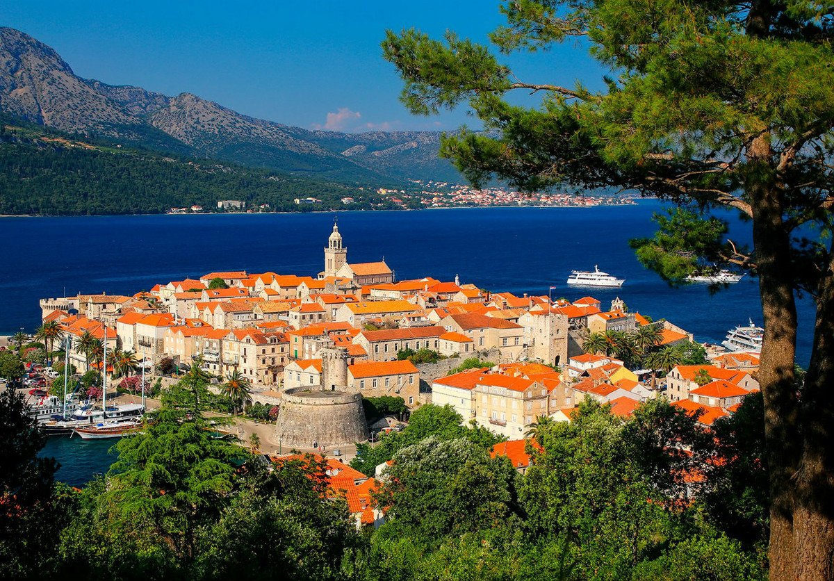 Korčula - one of the route highlights on your Split Croatia tours