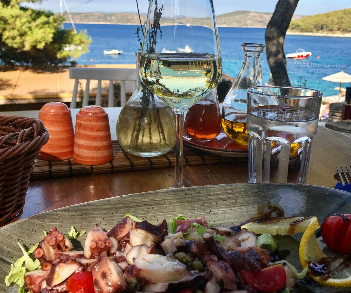 Traditional cuisine is a good reason to discover Croatian coast from a private yacht