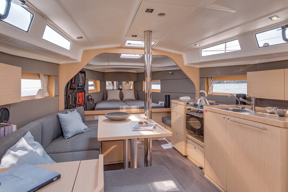 Adjustable front cabin can turn into one large area.
