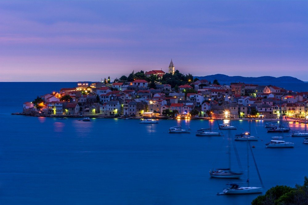 Discover the buzzing life of Primosten town on your Zadar sailing tour