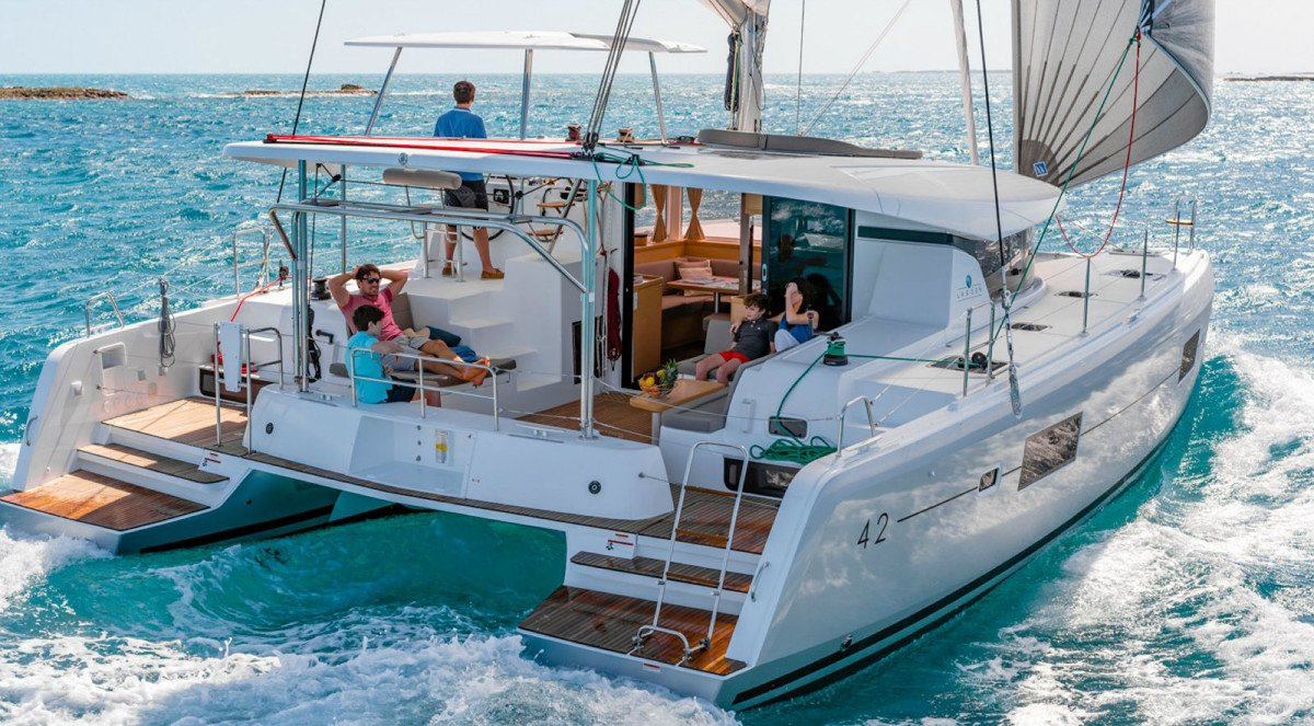 Sail from Dubrovnik to Split on a private Croatia catamaran charter