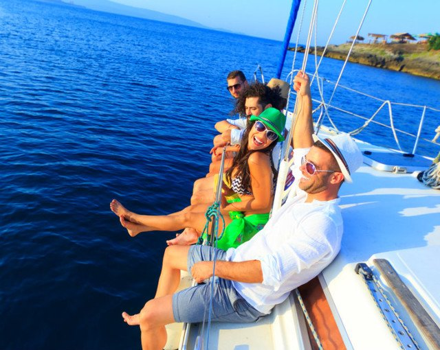 Hire a Zadar yacht charter with skipper