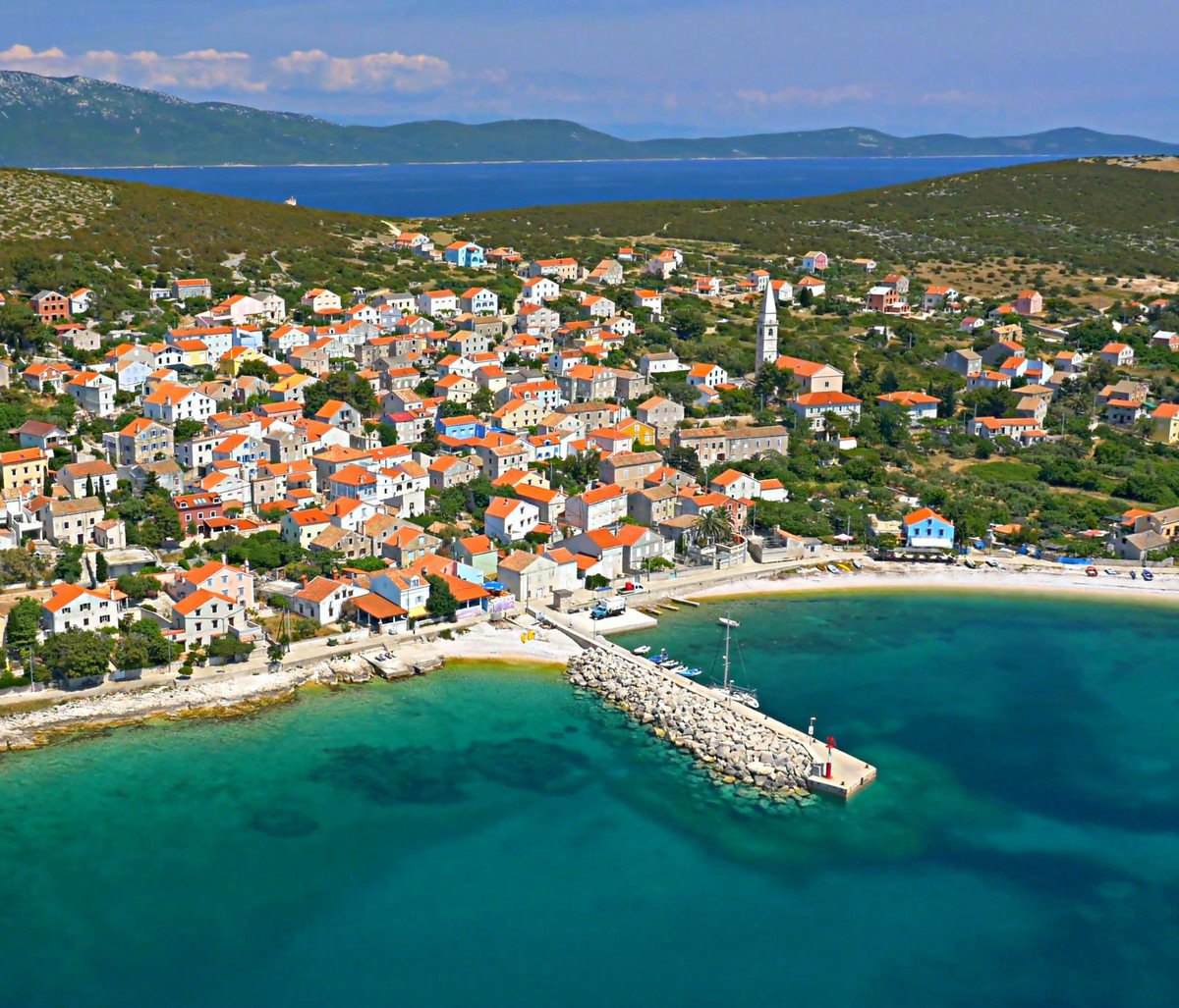 Unije  - a charming colourful village in the middle of Kvarner gulf